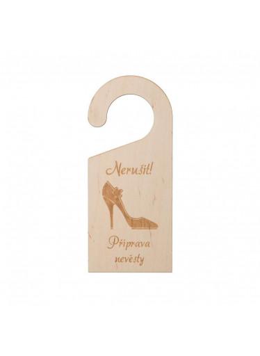 ČistéDřevo Dřevěná cedulka na dveře - nevěsta