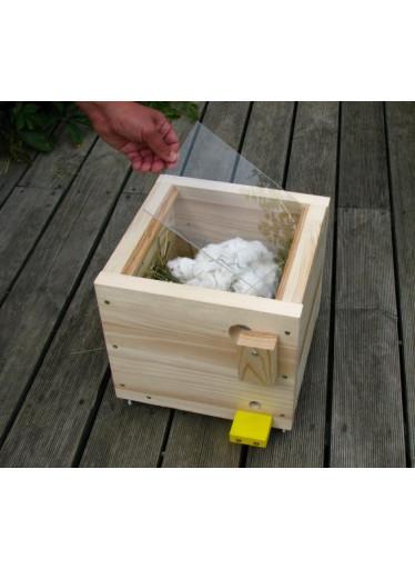 Přídavné okénko k velkému dřevěnému čmelínu 2015 -  2020
