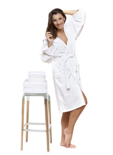 Sada 02 Bianco župan s výšivkou + osuška + ručníky